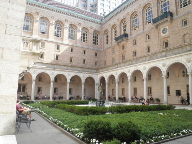 The library's Italian courtyard, peaceful and lovely. It also connects the McKim building to the lending library. (Photo: DY, 2011)