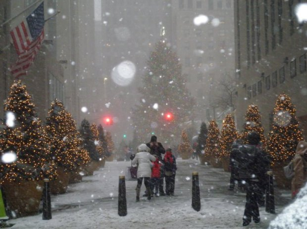 Rockefeller Center, NYC, during the Christmas blizzard of 2010 (Photo: DY)